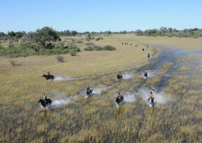 African-Horseback-Safaris-Riding-sAFARI